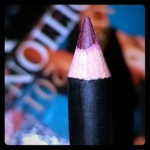 Lip and eye liner